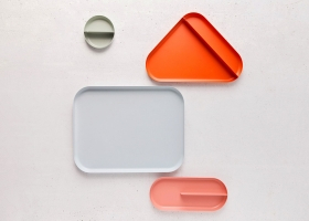 THE UNUSUAL GEOMETRIC MODULES OF THIS ORGANIZER TRAY ADD A POP OF COLOUR TO YOUR DESK!